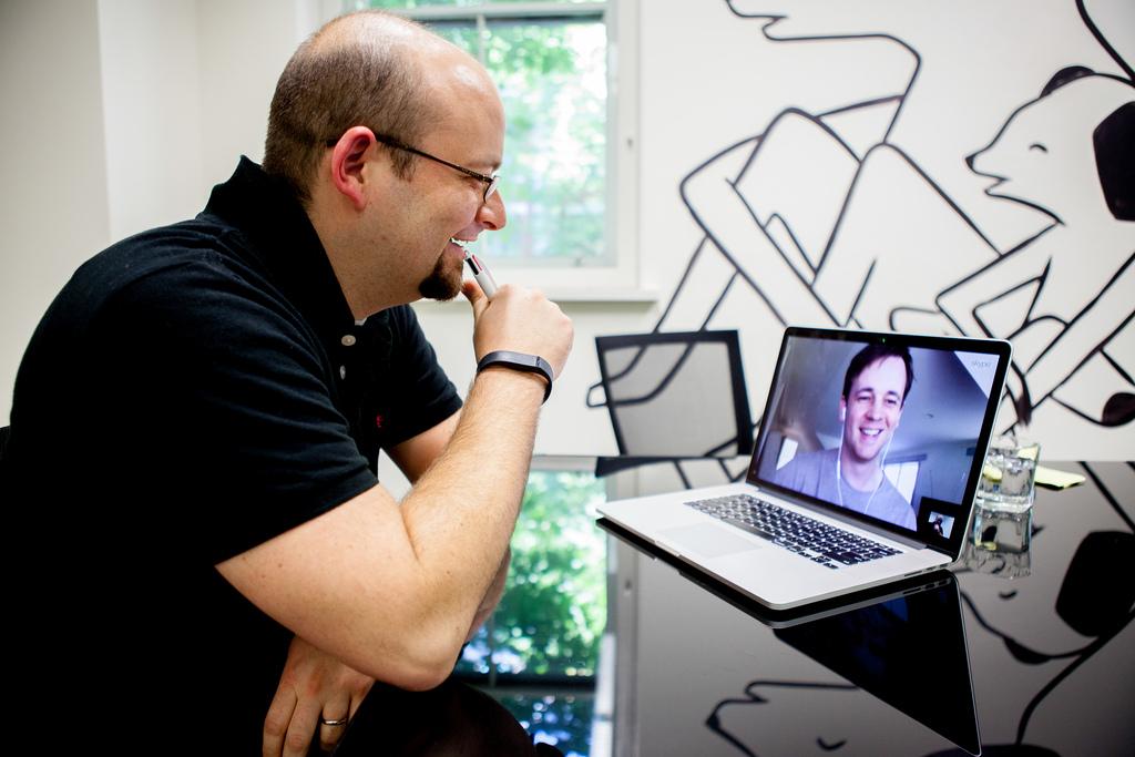 Ferramentas digitais para encurtar distâncias: tecnologia para combater a saudade