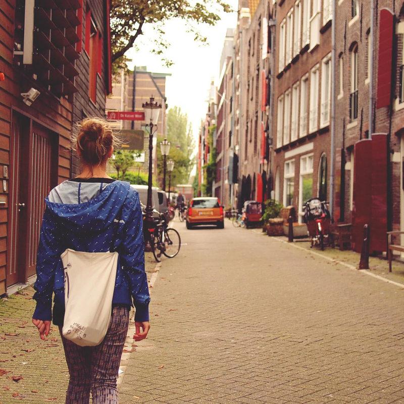 Namoro à distância: 6 dicas para superar a saudade de quem está no exterior