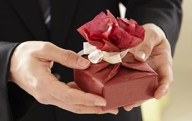 5 ocasiões para enviar flores e presentes