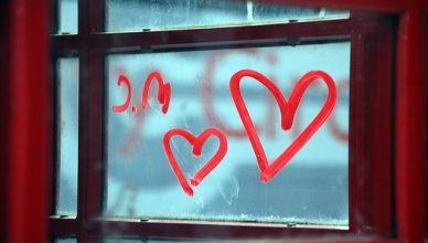 A importância do romantismo em relacionamentos a distância