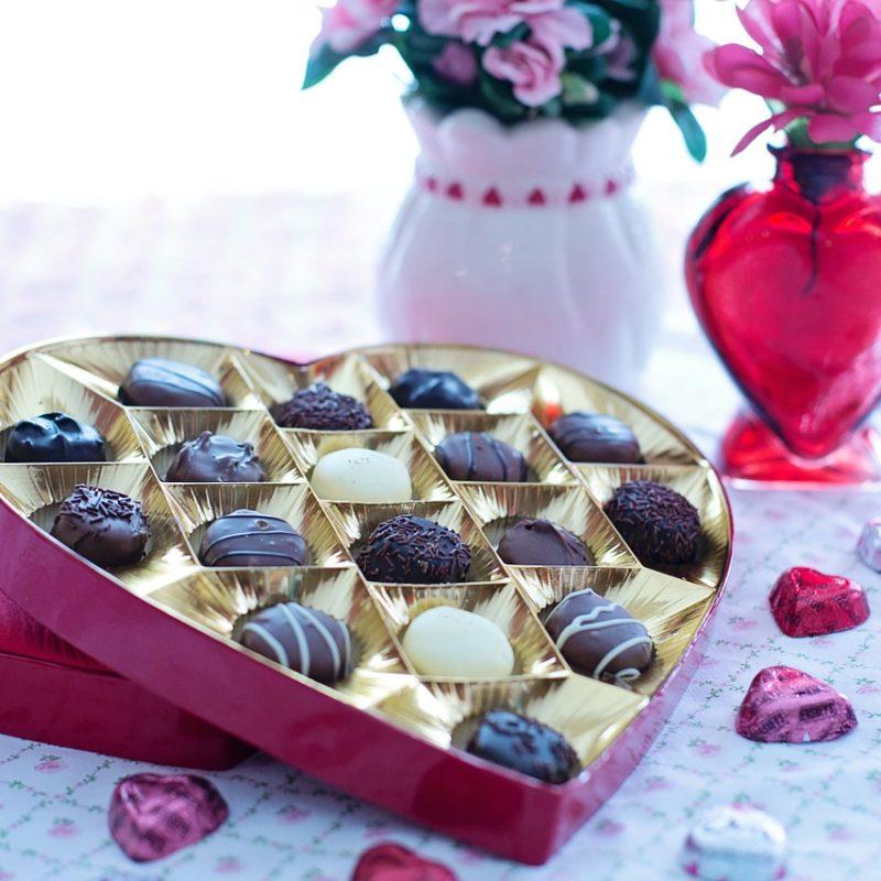 Valentine's Day: dicas de presente para namorada morando no exterior