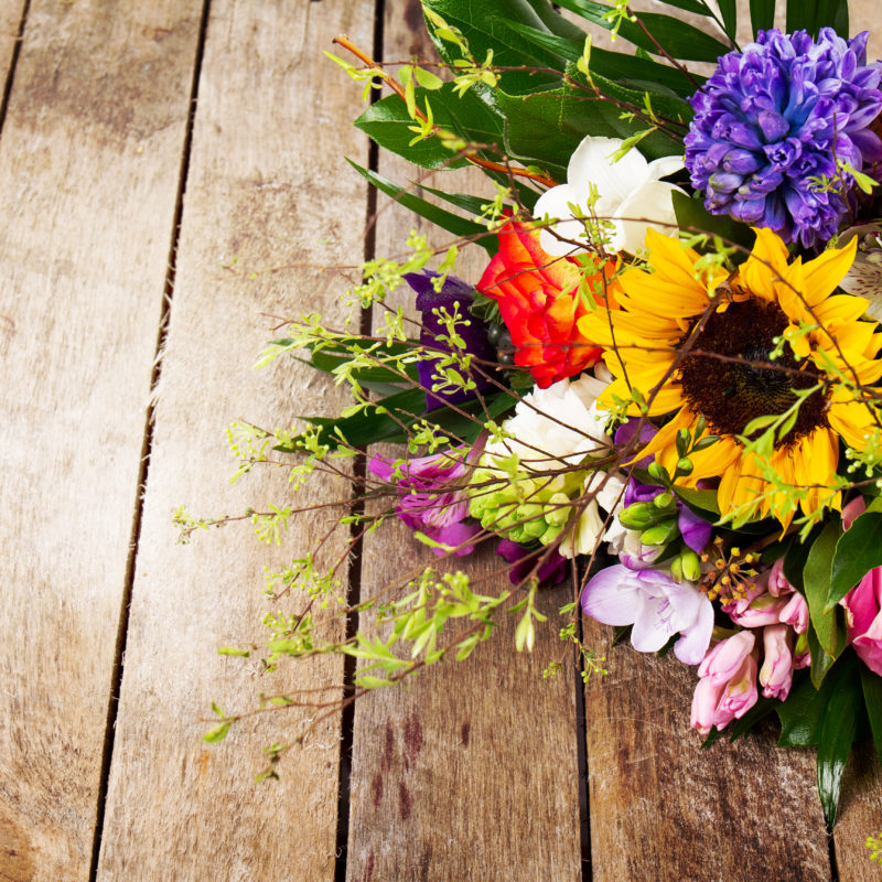 Ocasiões para presentear com flores: Um arranjo diz mais que palavras